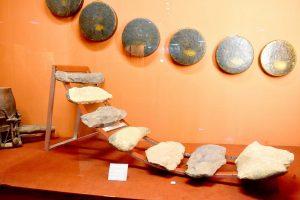 vật chứng bên trong bảo tàng Ninh Thuận